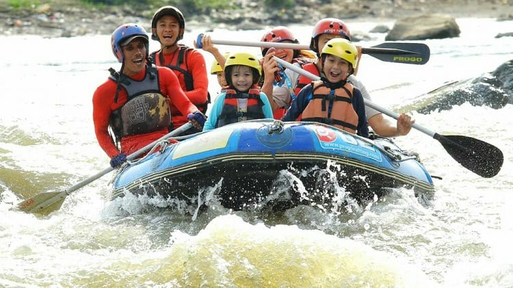 At What Age Can Kids Go To Rafting?